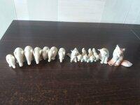 Įvairios porcelianinės skulptūrėlės