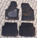 VW kilimėliai, buvo VW Caddy automobilyje.