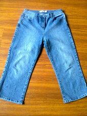 Džinsai mėlynos spalvos
