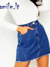 Mėlyni, trumpi džinsiniai sijonai