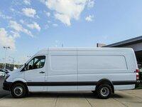 Krovinių ir siuntų gabenimas mikroautobusais.