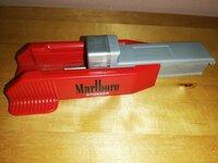 Marlboro.cigaretem daryt