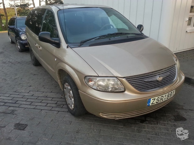 Chrysler Town & Country II 2002 m dalys