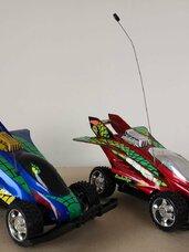 Dvi rc mašinėlės