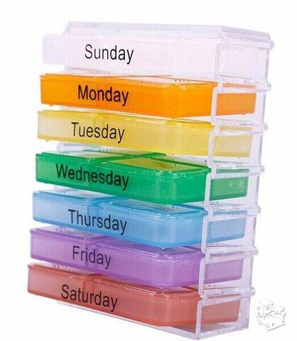 Vaistų dėžutė su stalčiukais savaitei