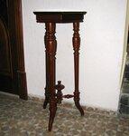 Teminis staliukas - stovas