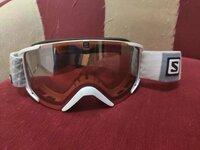 Salomon slidinėjimo akiniai, tvarkingi, kaina 50e.