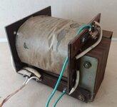 Transformatorius su saugikliu, aukštis 9,5 cm, plotis 7,8 cm,