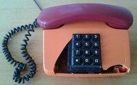 Daužtas VEF telefonas, tinka detalėm.